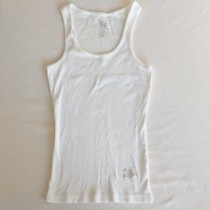 🔴 SO Ribbed White Racerback Tank w/ Silver Star